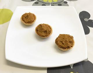 Tartaletas con paté de mejillones y queso
