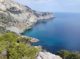 Visita la hermosa vegetación de Ibiza en un coche de alquiler