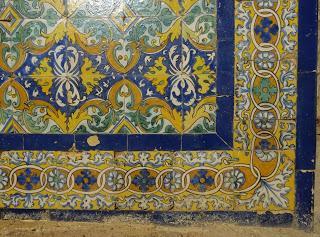 Imagen del mes: Retablos cerámicos de las capillas laterales del Monasterio de Tentudía