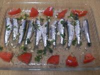 Sardinas a las finas hierbas con tomates asados