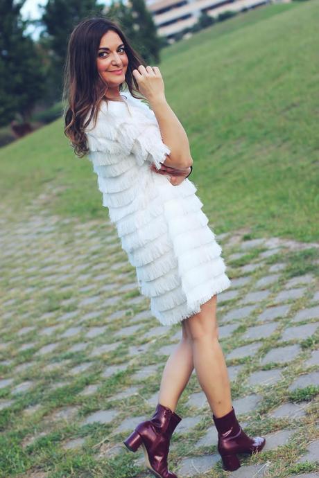Vestido blanco de flecos