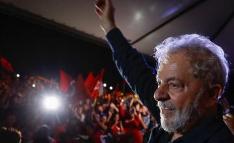 Ordena Tribunal de Brasil restituir derechos como expresidente a Lula da Silva