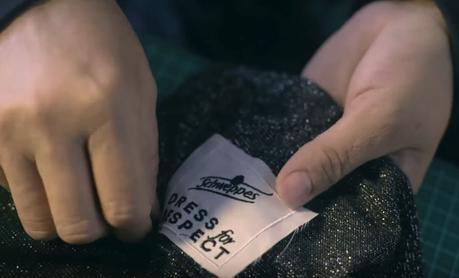 Schweppes crea un vestido que detecta cuántas veces tocan a las chicas en las discotecas sin su consentimiento