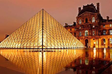 ¿Cómo recorrer el Museo de Louvre en París?