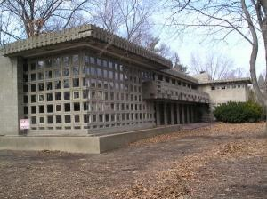 """The only confirmed Frank Lloyd Wright-designed home within Detroit city limits is the Dorothy Turkel house on West Seven Mile Road in Palmer Woods. The L-shaped, 4,300-square-foot residence is distinctive for its concrete-block construction and windows set into pierced block."" Photo via peterbeers.net. Architizer"