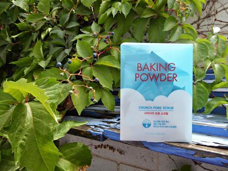 Baking powder Crunch Pore Scrub, el exfoliante facial para limpiar los poros de Etude House