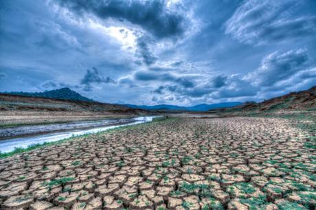 Terraplanistas vs escépticos del cambio climático: por qué los teóricos de la conspiración siguen contradiciéndose entre sí