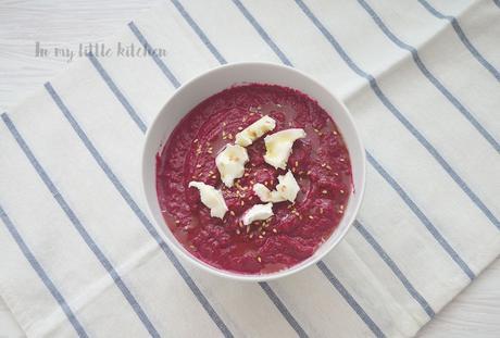 Reto Alfabeto Salado: Crema de remolacha con yogur griego y dátiles