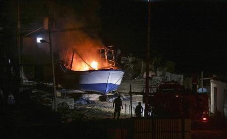 """Los dos barcos que fueron atacados en el puerto de Gaza (página Twitter de """"Freedom Flotilla"""", 24 de mayo de 2018)."""