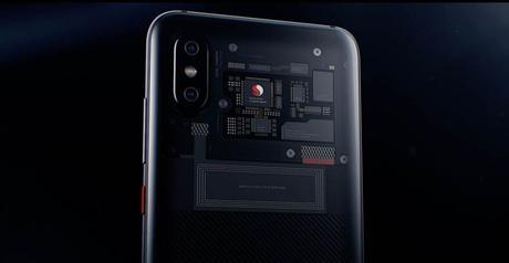 El Mi 8 Explorer Edition no está mostrando las verdaderas partes internas y Xiaomi no lo quiere decir