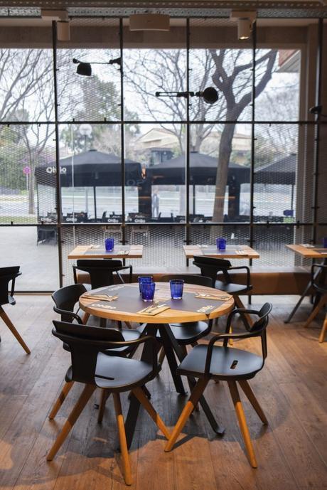 LA DECORACIÓN DEL RESTAURANTE OHBO ORGANIC CAFE
