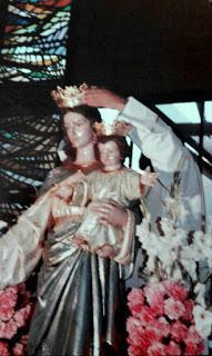Coronación de María Auxiliadora en 1985