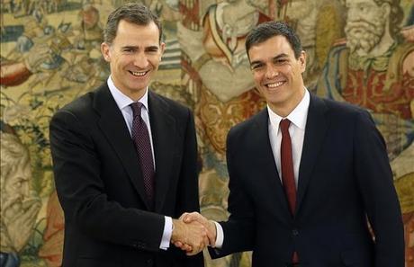 Pedro Sanchez juramentado Presidente por el Rey Felipe de España.