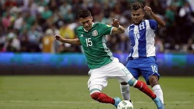 La Selección Mexicana no enamora y, por lo menos este martes, causó enojos y sueño.