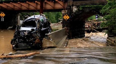 'Inundación de 1,000 años': comunidad de la ciudad de Ellicott en Maryland con el corazón roto por la inundación épica