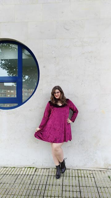 Velvet Dress con Genuina ~ Curvy Plus size Woman