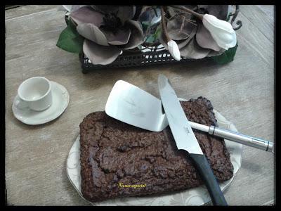 Receta deliciosa de brownie clĂĄsico de chocolate con nueces y sin lactosa