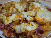 Huevos rotos patatas jamón
