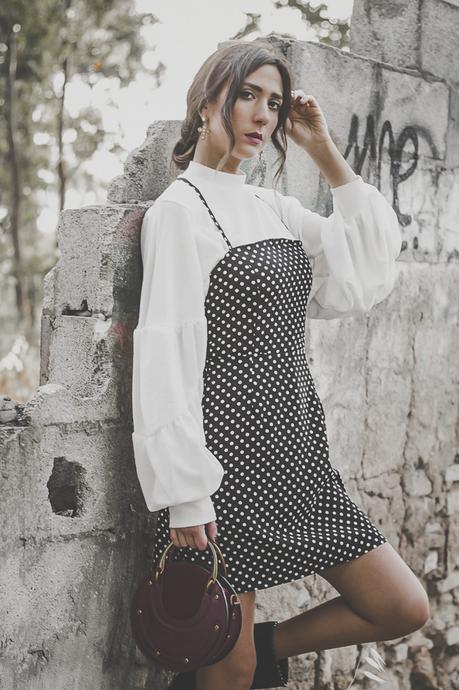 POLKA DOTS-TRENDY-VERGE GIRL