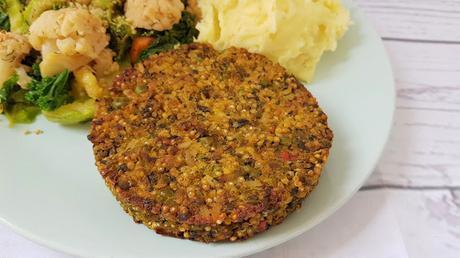 Hamburguesas veganas de tres cereales con guisantes y espinacas