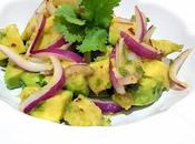 Ensalada aguacate cebolla morada cilantro