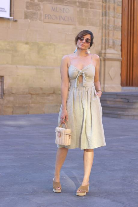outfits ideas vestido midi beige
