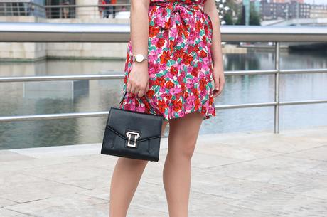 Vestido rosa de flores para verano