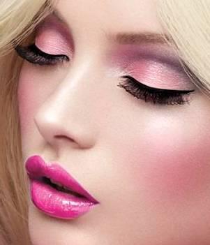 maquillaje en tonos llamativos