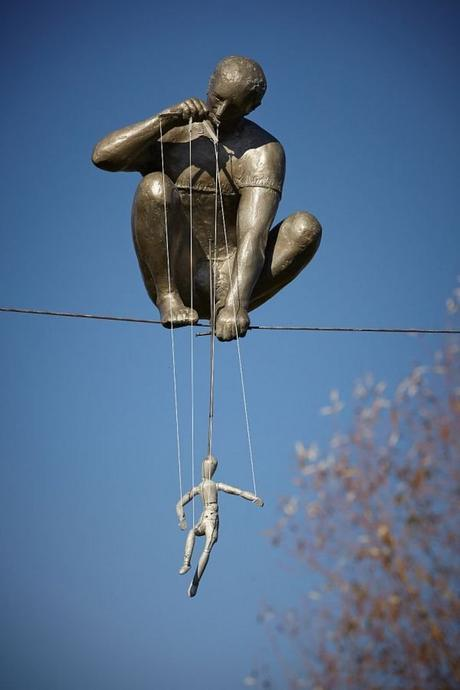 esculturas desafían física