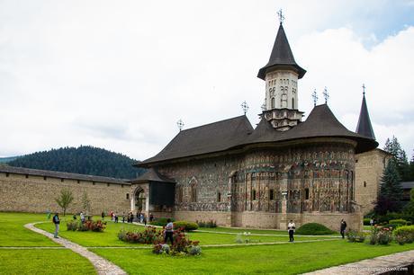 Ruta por Rumanía. 3 de los monasterios pintados más representativos de Rumanía y que te dejarán sin habla