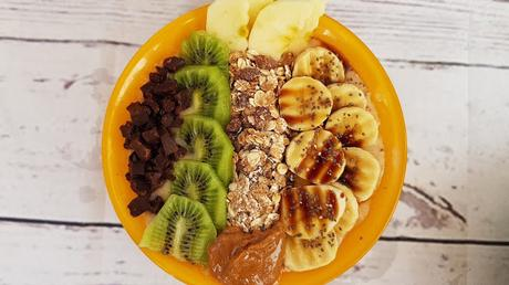 Smoothie bowl nutritivo de manzana y canela
