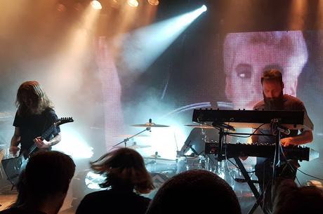 Carpenter Brut se marca un remix de Dance Macabre de la banda Ghost