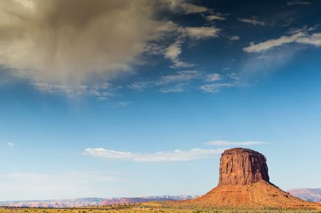 Lluvia inminente sobre Merrick Butte