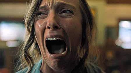 Toni Collette en una secuencia de Hereditary