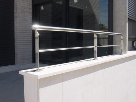 Barandas de balcón. Descubre los estilos y tendencias más rompedores