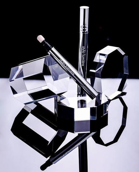 Stylo Lumière el Nuevo Lápiz Cushion todo en uno de Sisley que Aporta Luminosidad y Frescor a la Tez
