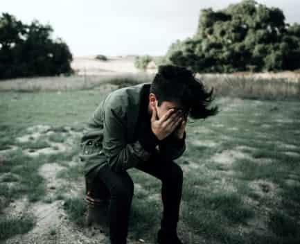 persona en crisis emocional
