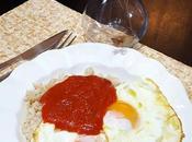 Arroz tomate huevos fritos