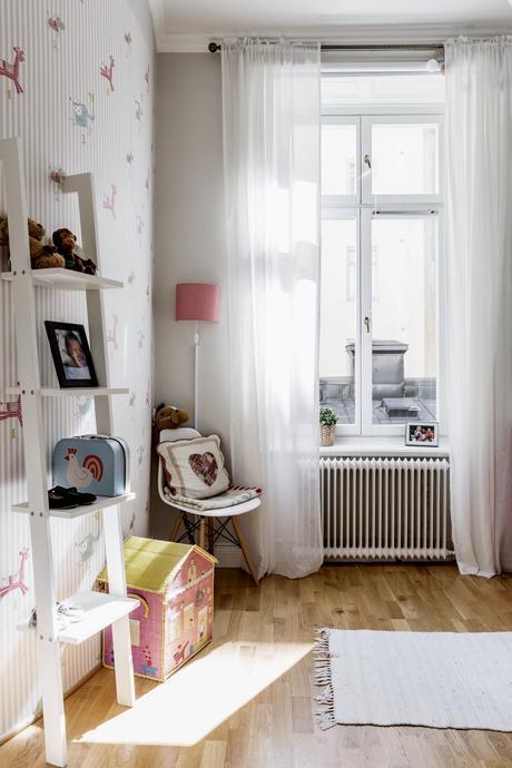 Ideas de decoración para un salon comedor rectangular.