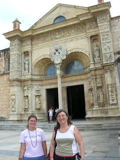Catedral Primada de América,  Santo Domingo, vuelta al mundo, round the world, mundoporlibre.com