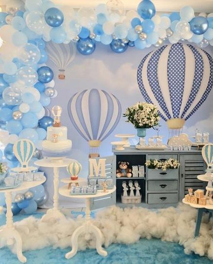 Un baby shower en un globo aerostatico