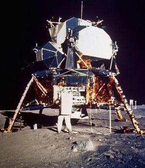 Imágenes de la zona de alunizaje del Apolo 11 desde el espacio