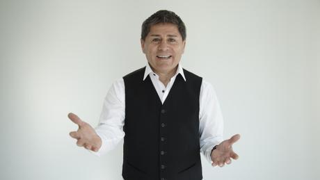 Charola Pizarro estrena su nuevo espectáculo Risas con más Gigas