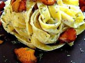 Tagliatelle setas salsa queso gorgonzola