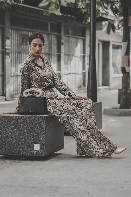 WELCOME TO THE JUNGLE: SNAKE PRINT TOTAL LOOK