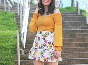 Croptop mostaza mini falda flores