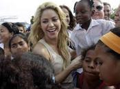 Shakira coloca primera piedra colegio Cartagena
