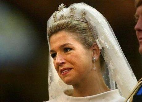 ¿ QUÉ   TIARA   ELEGIRÁ    CATHERINE    MIDDLETON  ?