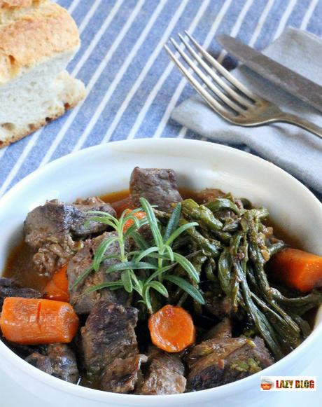 Ragú de ciervo con zanahorias y espárragos, la receta con carne silvestre que te va a enamorar