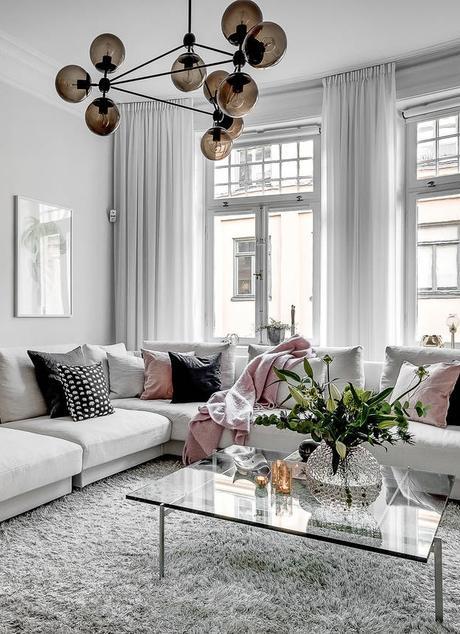 lampara de techo en la zona del sofa